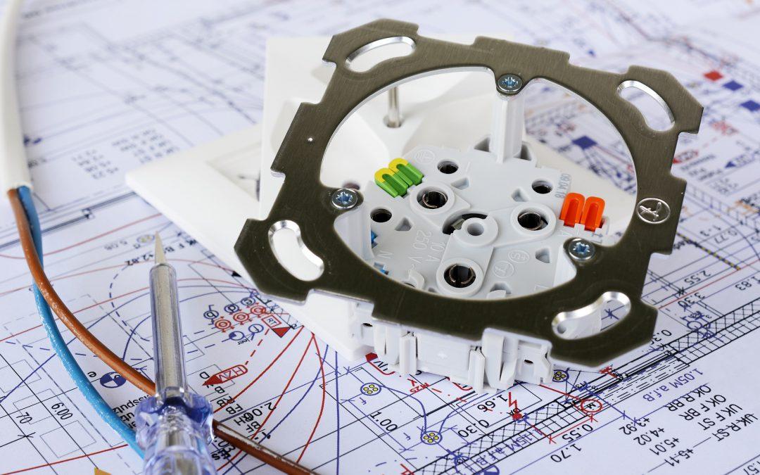 Jakie są różnice pomiędzy instalacją inteligentnego domu astandardowa instalacją elektryczną?